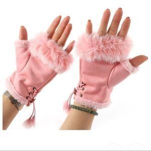 Accessories - Women's Faux Fur Winter Gloves!
